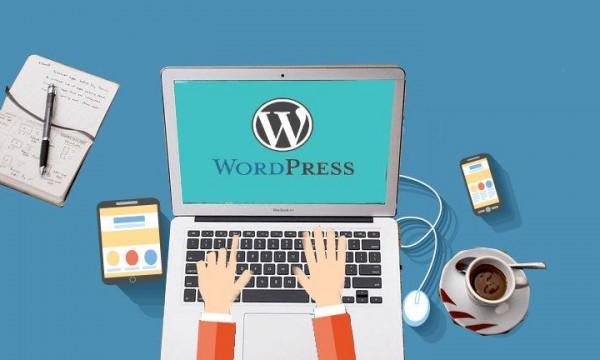 WordPress是什么开发的及支持什么数据库